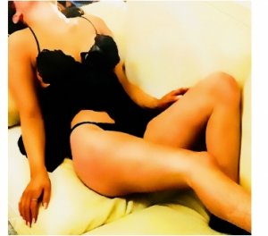 Allissia nature escorts Washington