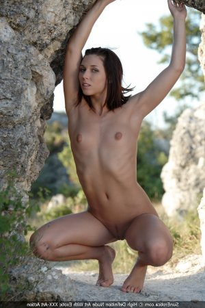 Anne-mary surprise women personals Norwich ON